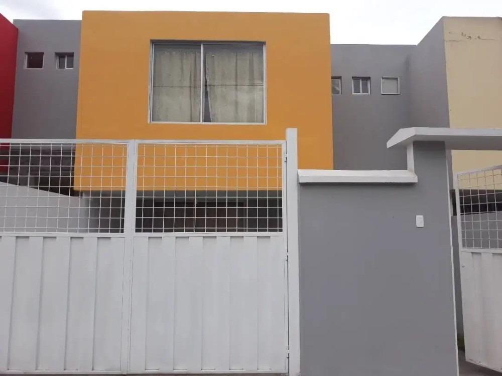 vendo casa en conjunto habitacional