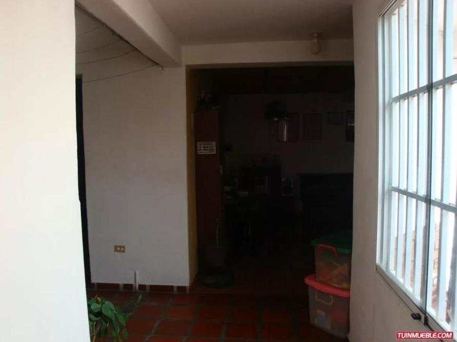 vendo casa en corinsa, cagua. 04128849675,04243119688