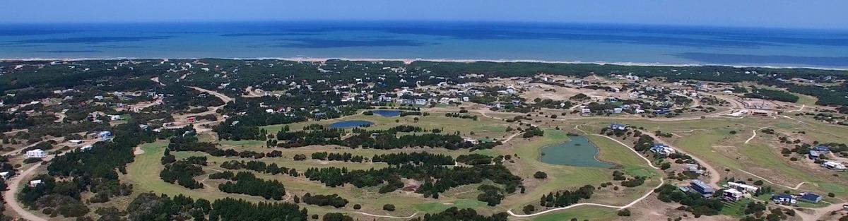 vendo casa en costa esmeralda - lote 228 en golf 1 (totalmente amoblad