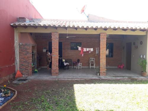 vendo casa en el centro de villa elisa y5117
