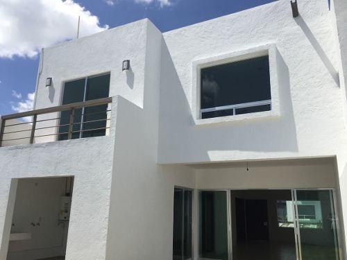 vendo casa en grand juriquilla con diseño moderno