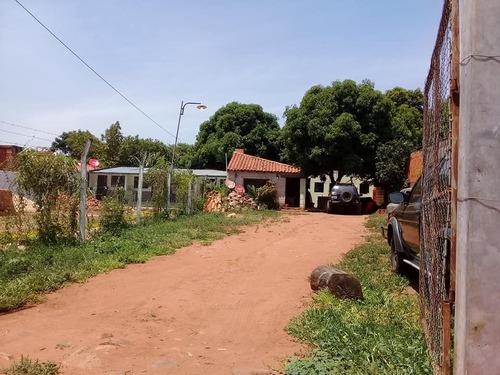 vendo casa en ñemby, barrio coca cola.  e2135.