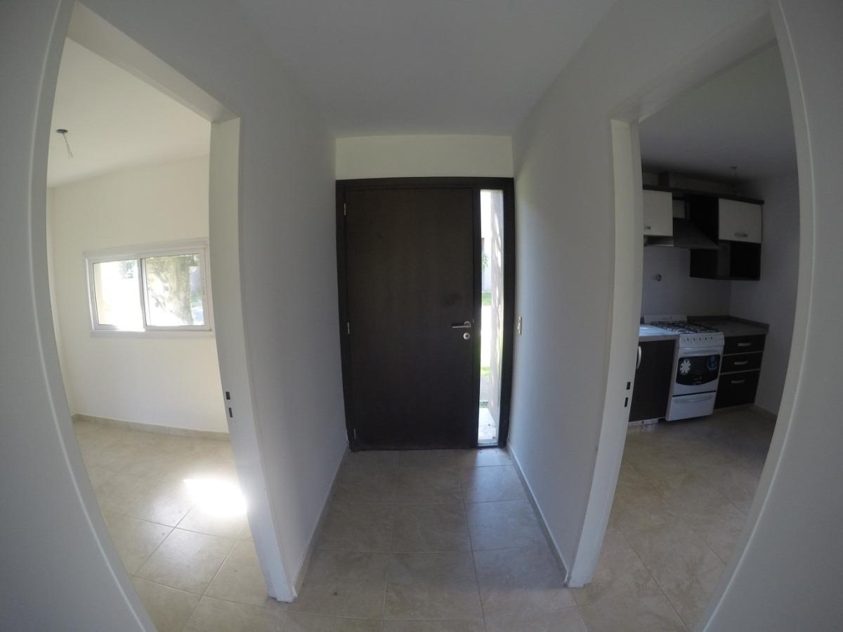 vendo casa en pilar c/ excelente ubicación