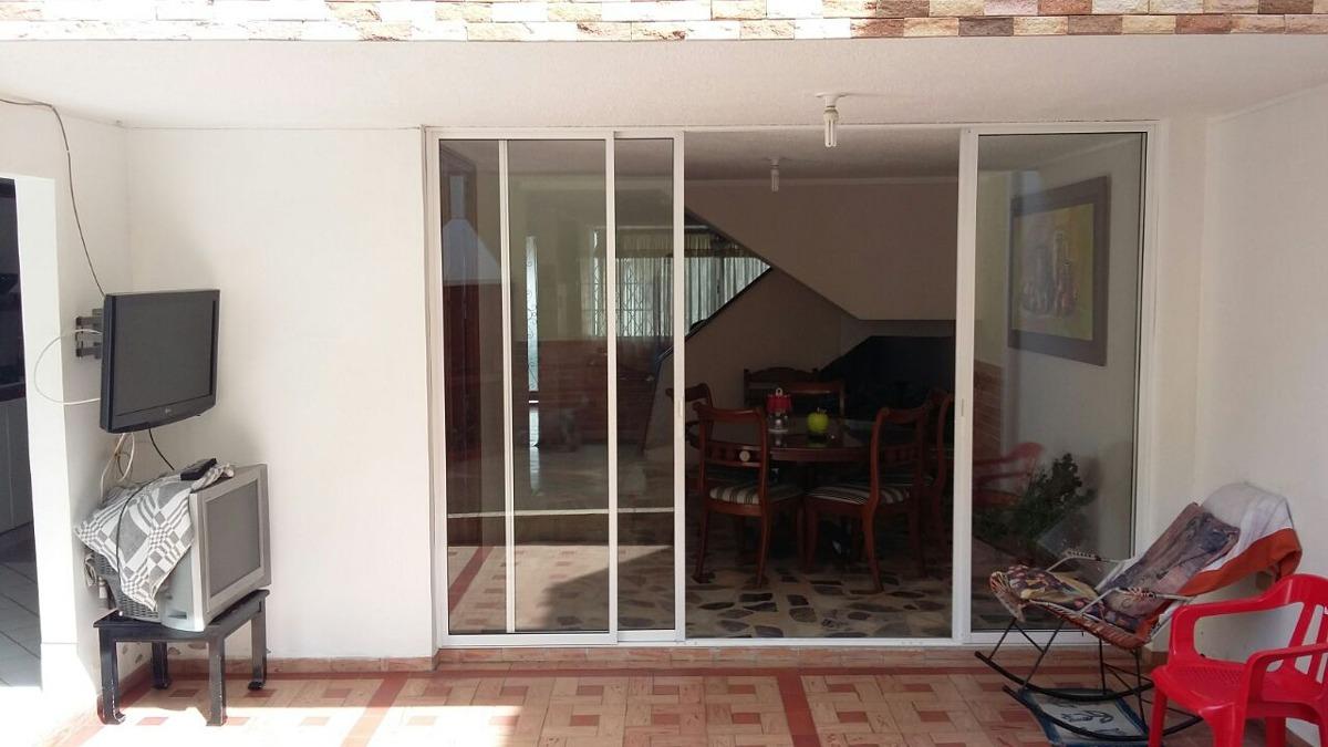 vendo casa en provenza