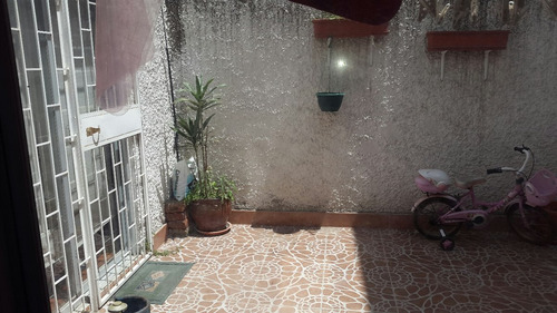vendo casa en urbanización camino de los eucaliptos 175 m²