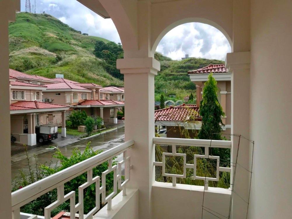 vendo casa espaciosa en altos del country 2000 19-11261