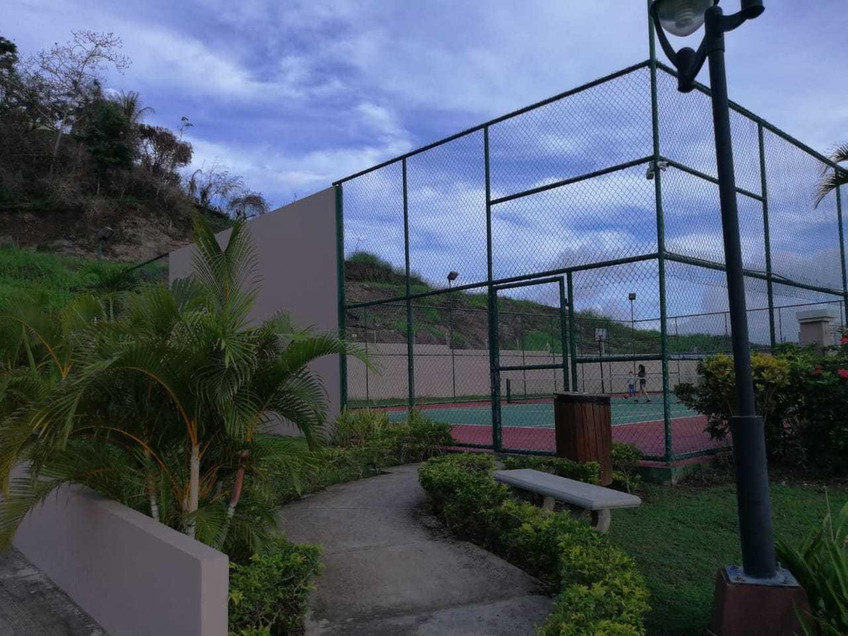 vendo casa espectacular en ph villa tiber, brisas del golf