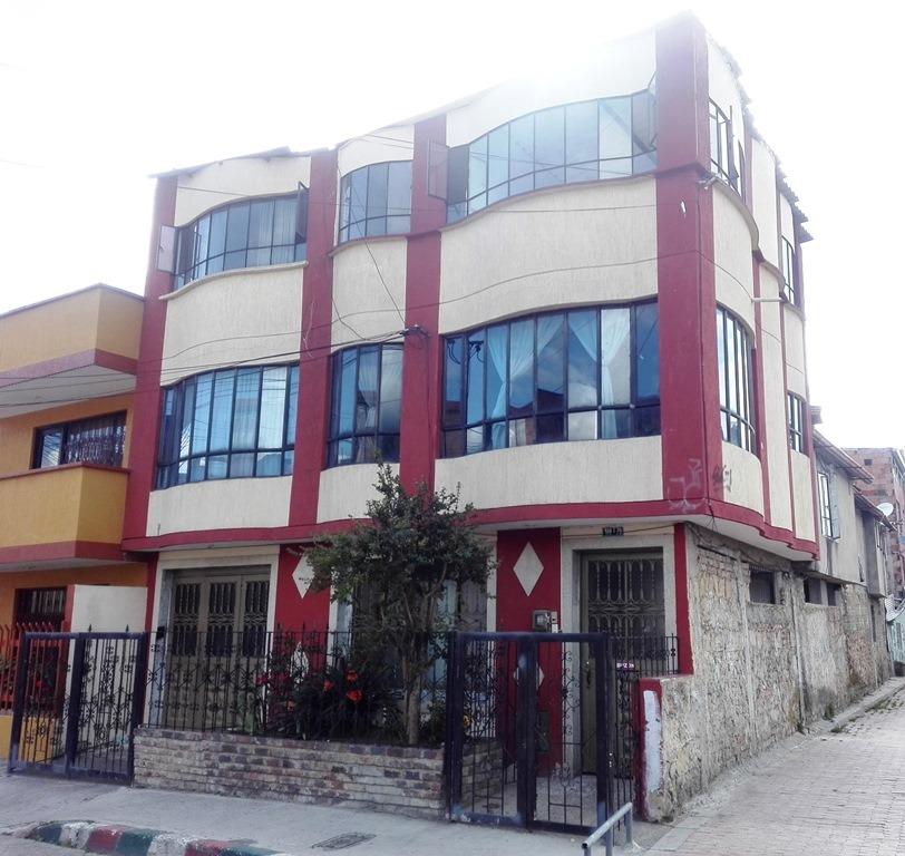 Vendo Casa Esquinera 6 Apartamentos Terraza Norte Bogotá