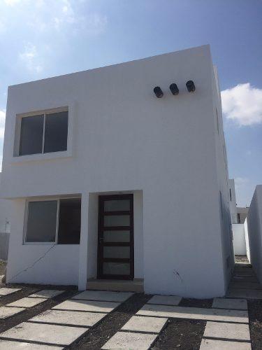 vendo casa estilo moderno en grand juriquilla