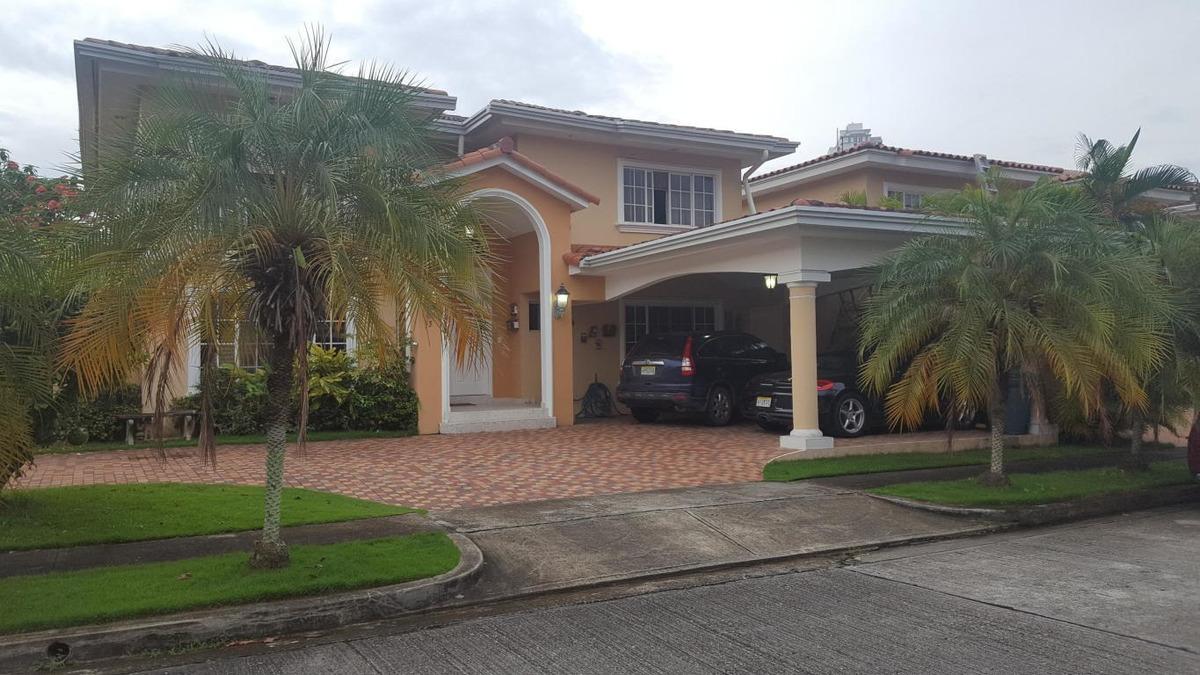 vendo casa exclusiva en ph costa bay, costa del este 18-4675