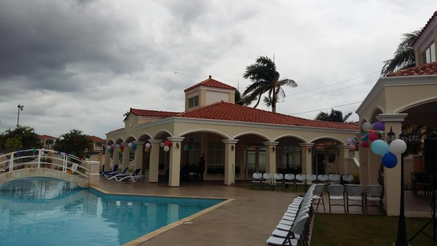 vendo casa exclusiva en ph villa valencia, costa sur 19-1250