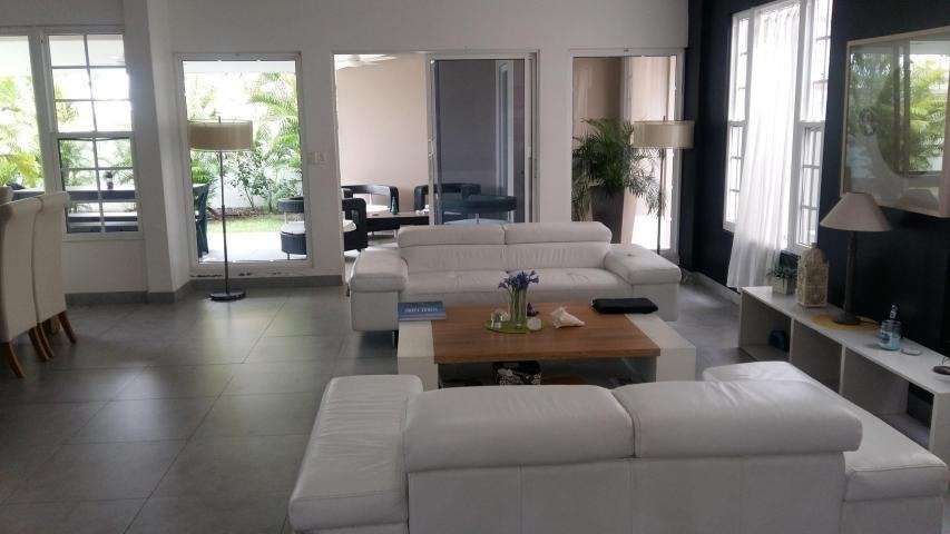 vendo casa exclusiva en ph villa valencia, costa sur 1911118