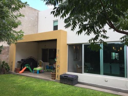 vendo casa fracc  las privanzas