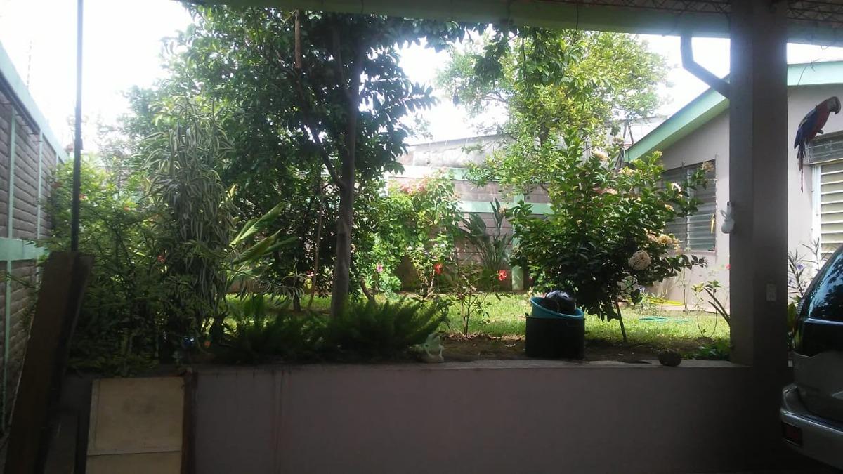 vendo casa grande en resid. sta lucia, cerca de univ.fco.gav
