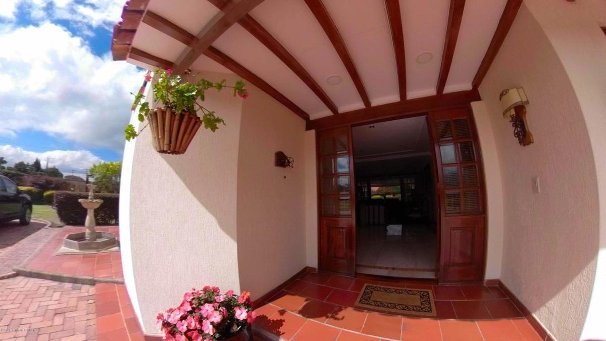 vendo casa guaymaral(bogota) ic mls 19-988