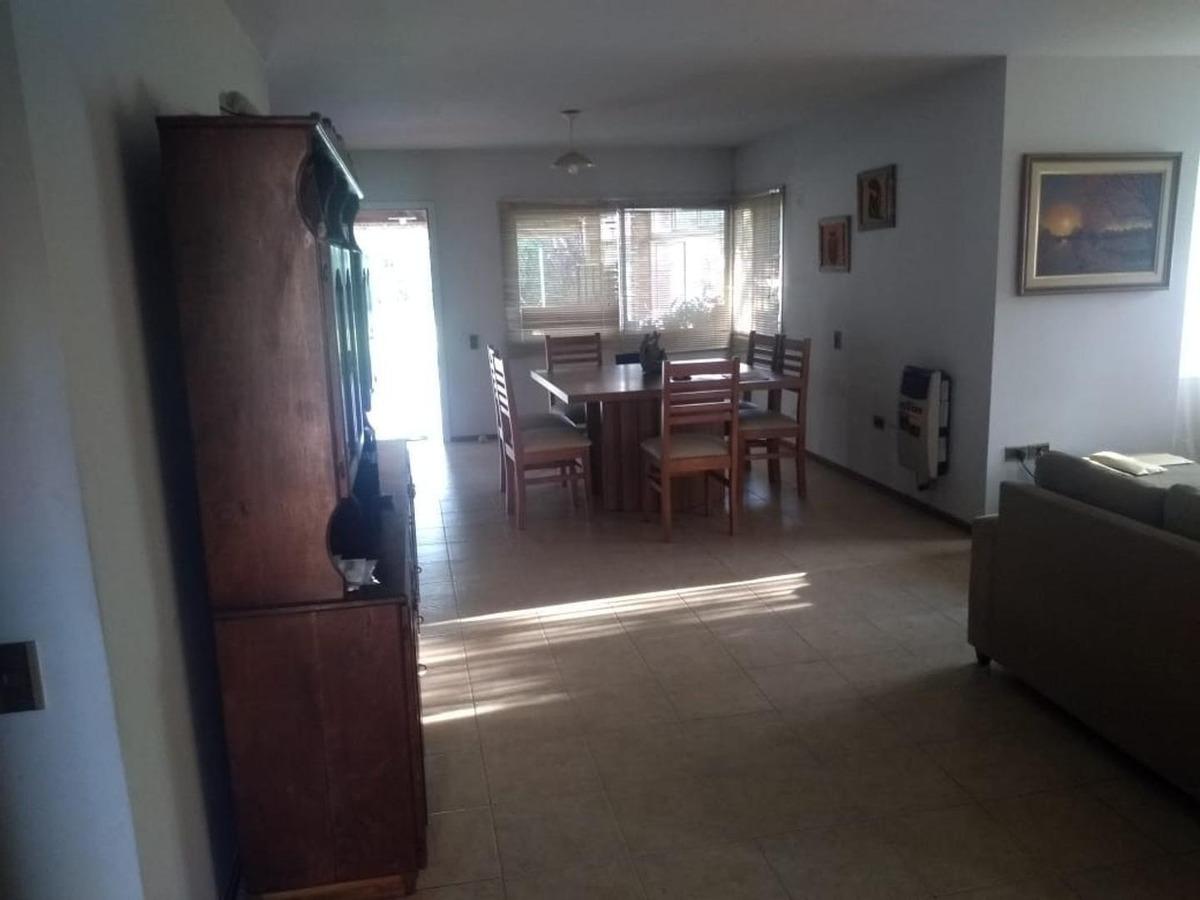 vendo casa la paloma, villa allende, 4 d, lote 1300 m2