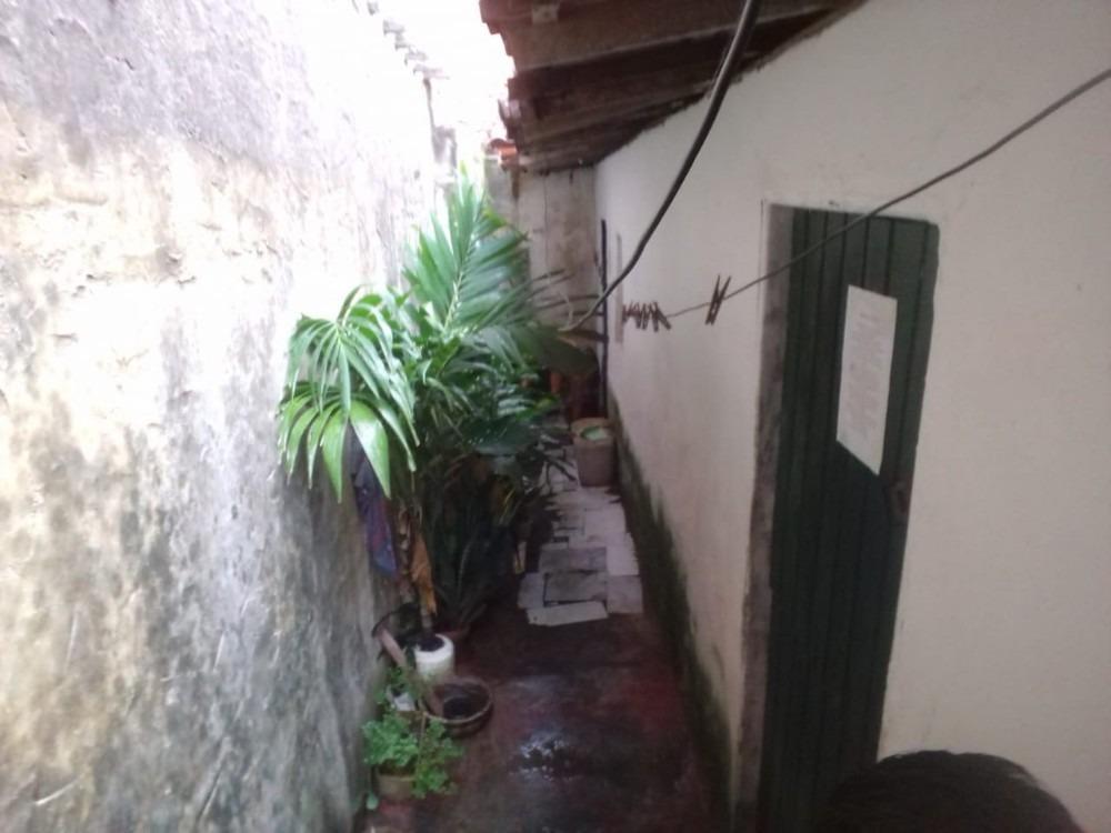 vendo casa no bairro álvaro weyne