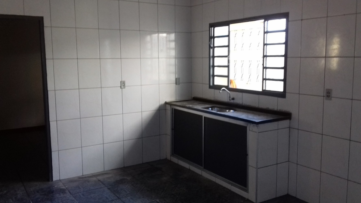 vendo casa no portal bordon sumaré, 2 quartos e amplo espaço