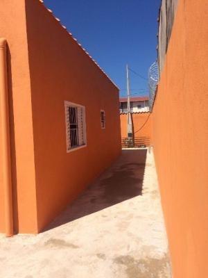 vendo casa nova, ampla, lado praia, acesso pavimentado!