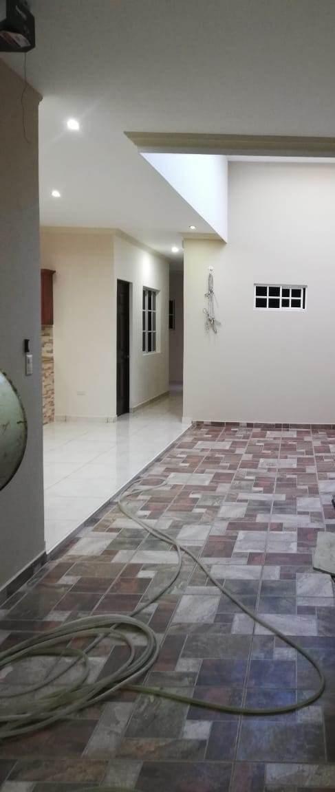 vendo casa nueva urb. san miguelito, zona cnr, santa ana