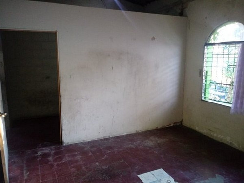 vendo casa para uso comercial sobre blv. venezuela.