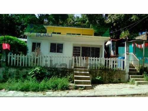 vendo casa planta alta colonia libertad poza rica veracruz 3 habitaciones, se encuentra ubicada en la calle echeverria de la colonia libertad, entrando por un andador a la planta alta cuenta con 103.