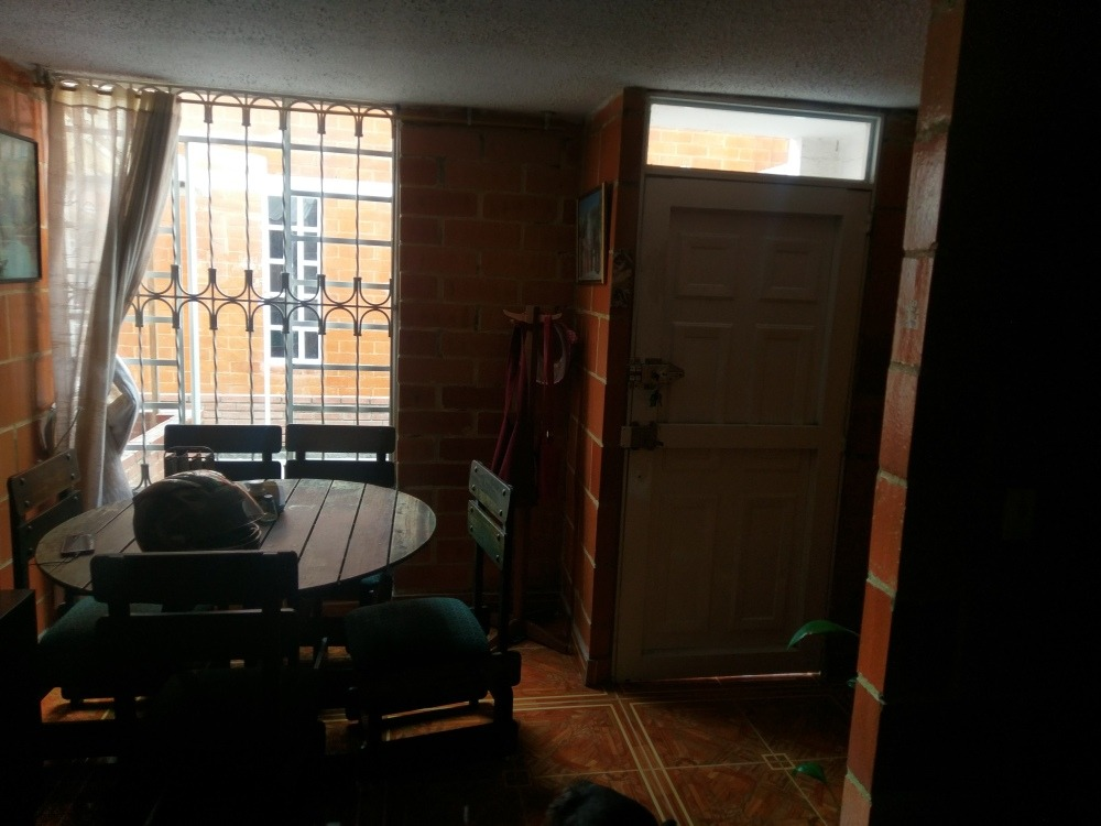 vendo casa portal del nogal soacha 4 cuadras estacion