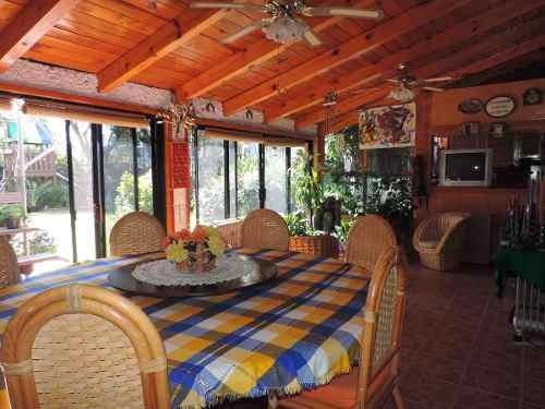 vendo casa queretaro jurica con 2 bungalows
