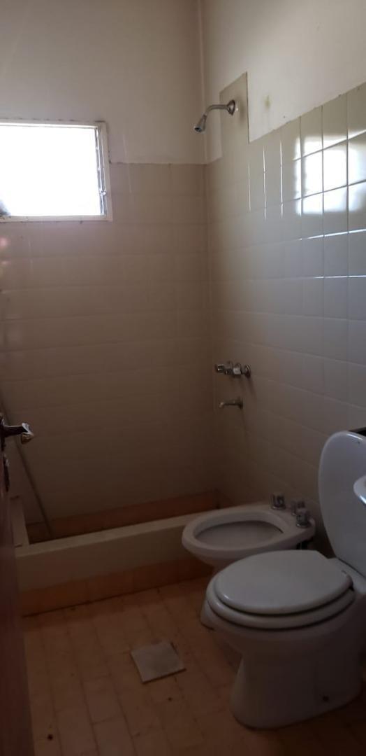vendo casa quinta 300 m2 en 2 hectareas en neuquén