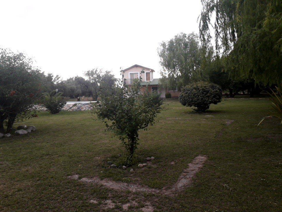vendo casa quinta a metros del laberinto de borges