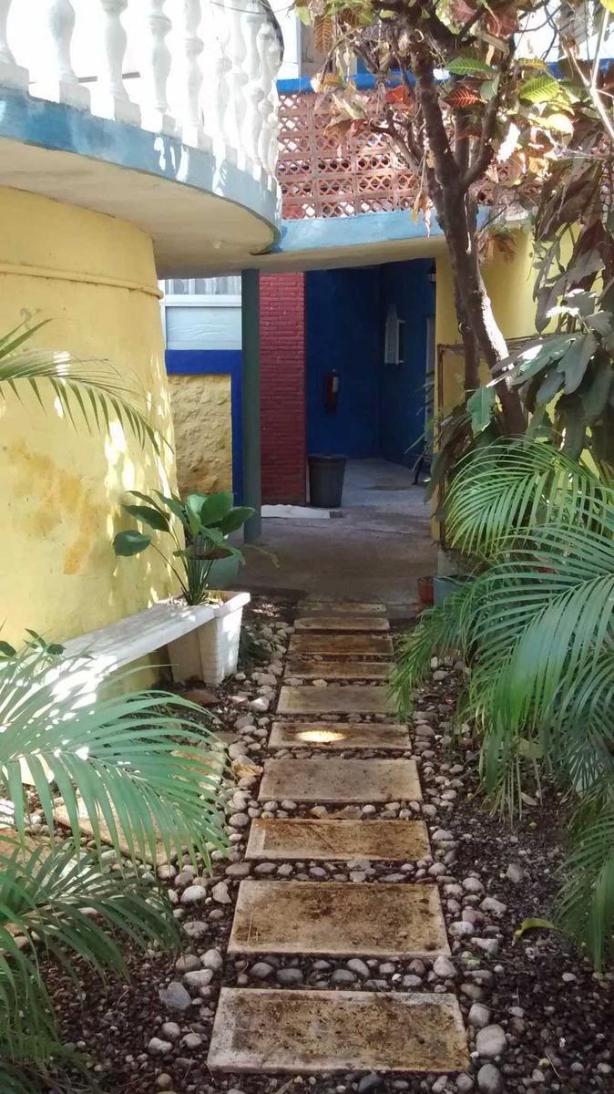 vendo casa sola ideal para instituto, oficinas, hospedería