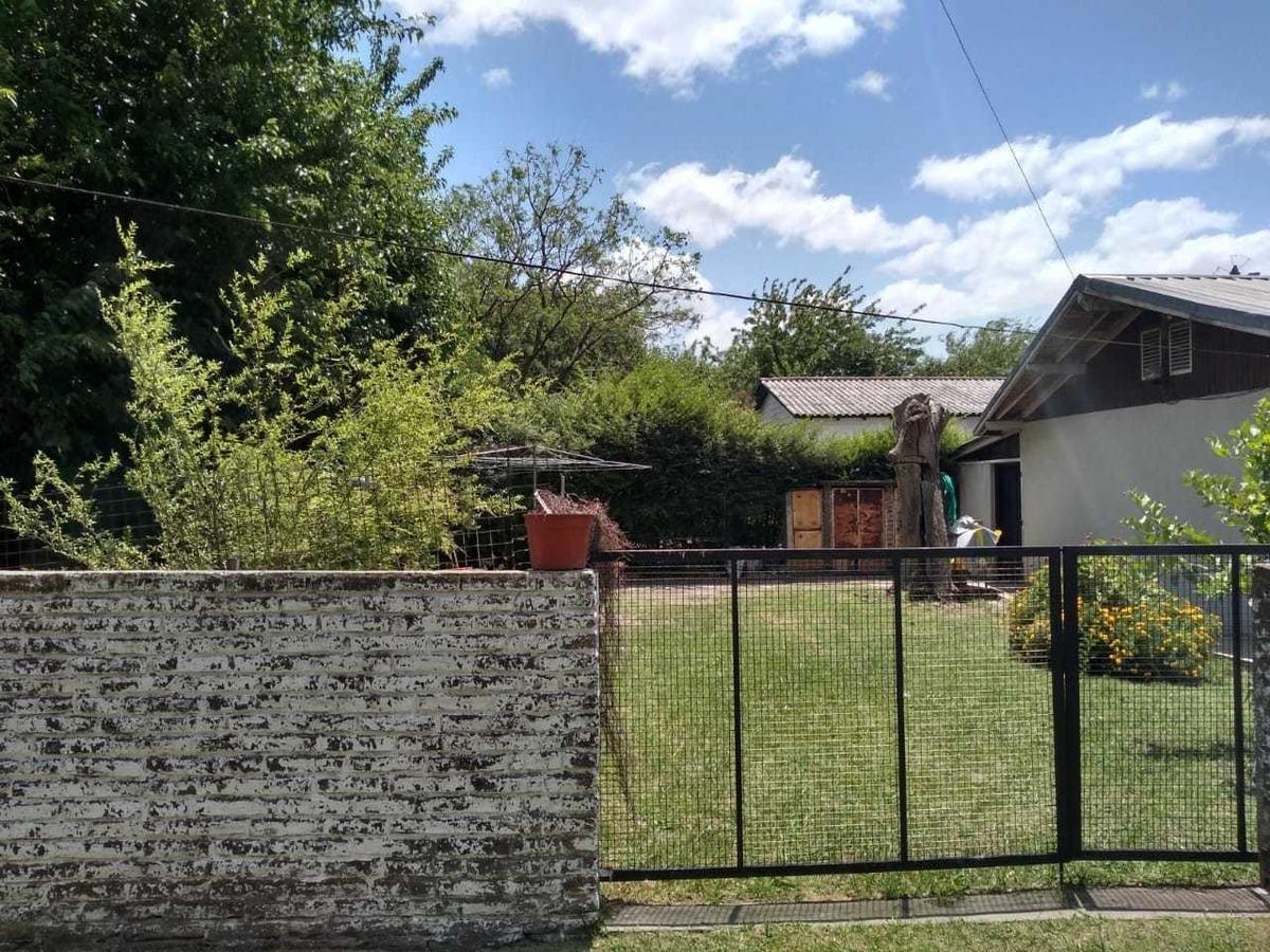 vendo casa tipo  en moreno centro.