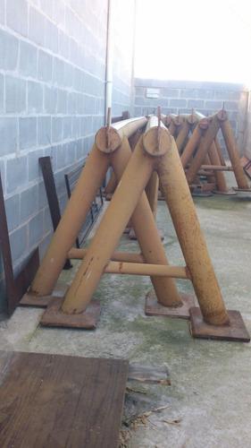 vendo cavalete de ferro com 4 metros cada, suporta 12 tonela