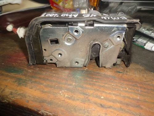 vendo cerradura delantera derecha de  bmw x5, año 2003