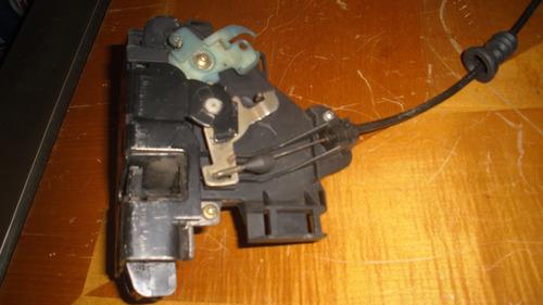 vendo cerradura  delantero derecho de skoda fabia, año 2005