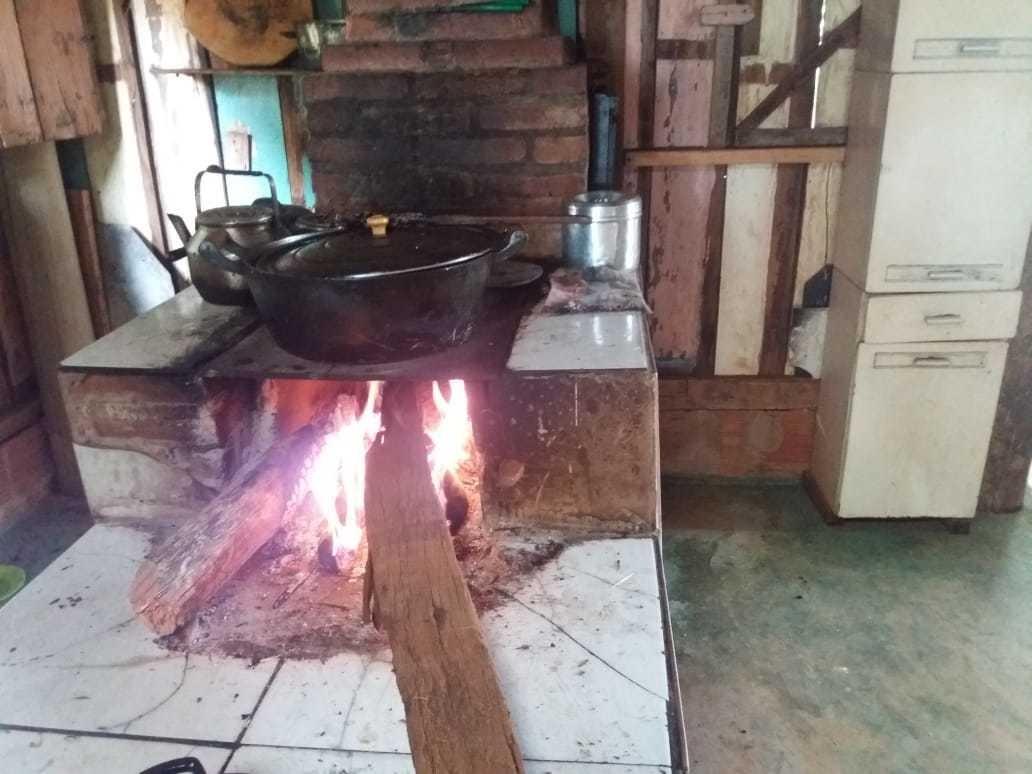 vendo chácara de 7 hectares com 2 casas 1 cozinha caipira co