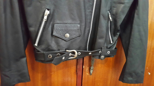 vendo chaqueta de cuero genuino