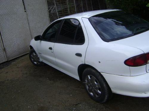 vendo chevrolet cavalier, año 1998, 4 puerts, 5 velocidades,