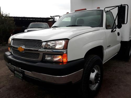 vendo chevrolet silverado 3500 modelo 2006