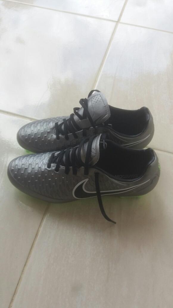 Vendo Chuteira Nike Magista Travas De Silicone Numero 37 38 - R  400 ... 0f311a12ff206