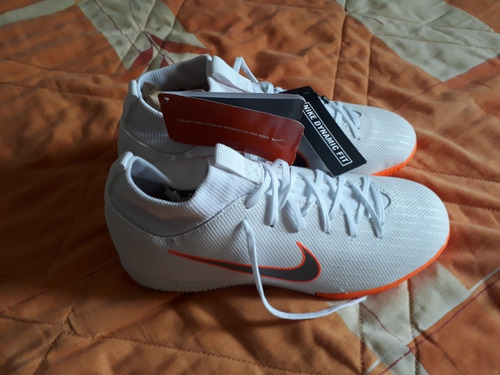 Vendo Chuteira Nike Nova Numero 36 - R  200 745da5fd1c24f