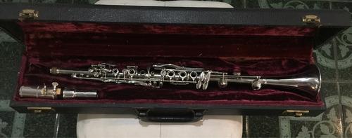 vendo clarinete metálico