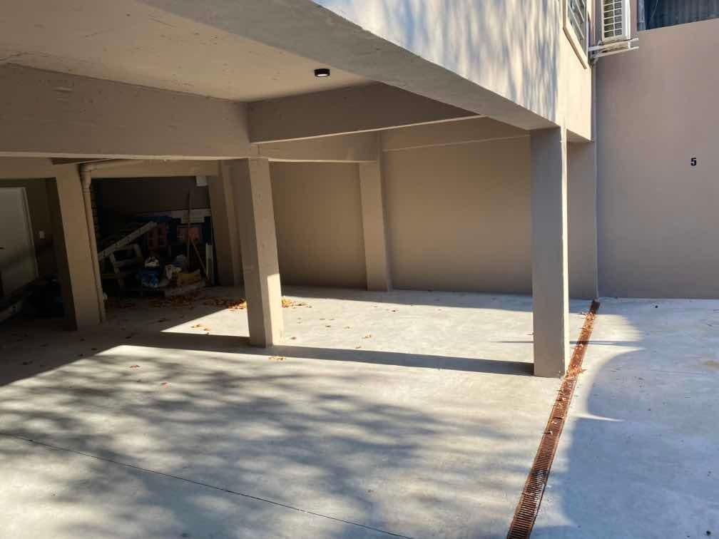 vendo cochera cubierta en edificio alquilada!.