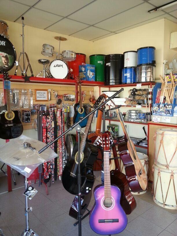 vendo comercio dedicado a la venta de instrumentos musicales