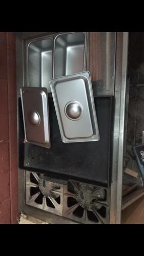 vendo completera, campana y cocina industrial con 4 quema