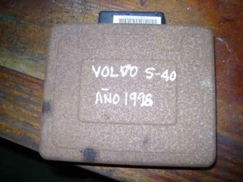 vendo computadora de volvo s40, año 1998, gasolina