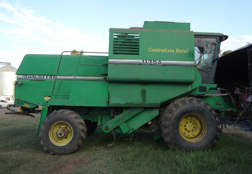 vendo cosechadora john deere 1175 4x4  en excelente estado.