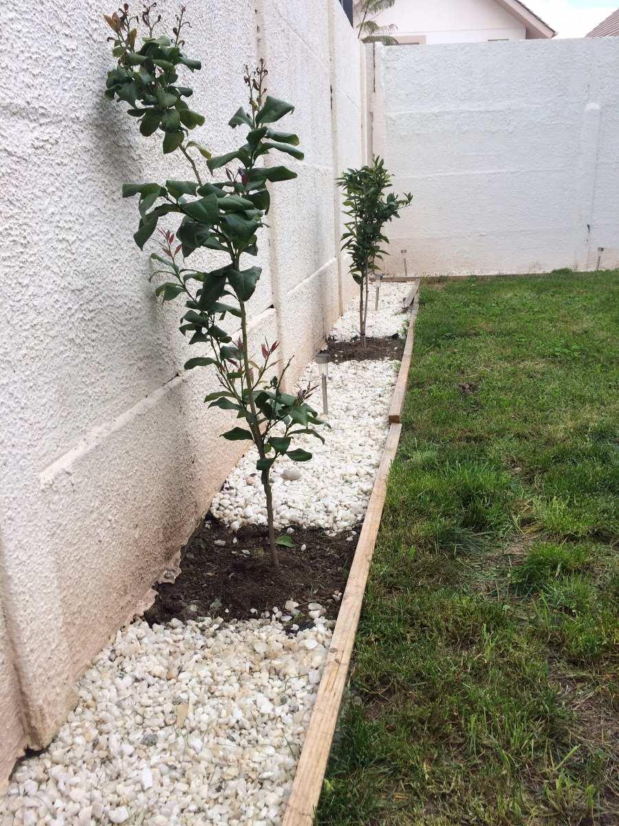 Decoracion jardin con piedras simple piedra de mrmol for Piedras para jardin