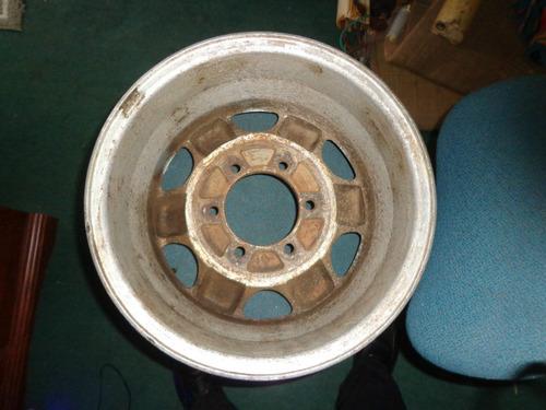 vendo  de hyundai galloper, # 15, en aluminio, 6 huecos