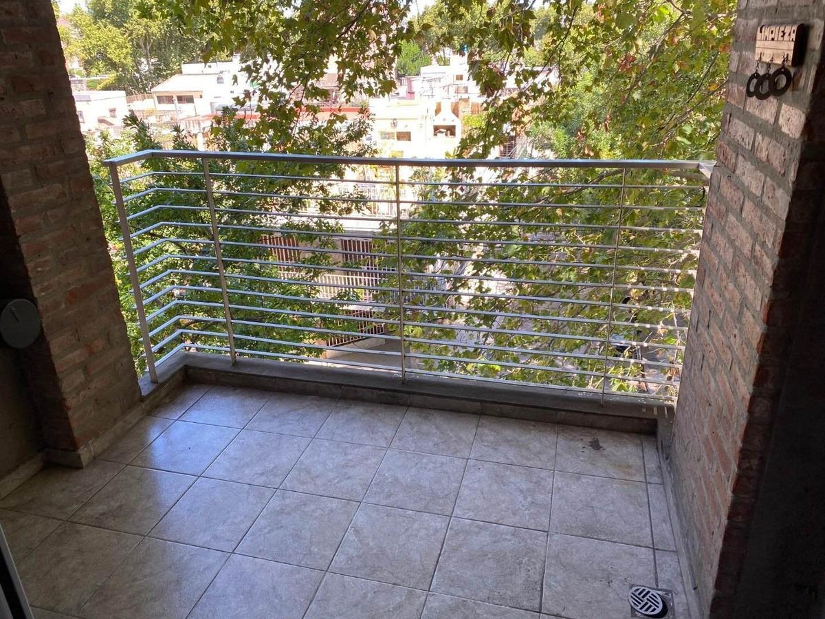 vendo departamento 1 dormitorio con balcon - barrio echesortu - gas funcionando